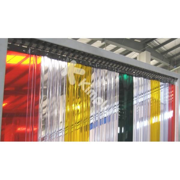 Porte à lanières multicolores