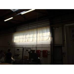 Protection solaire bâtiment industriel